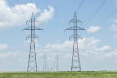 Высокорослые двойные гидро башни Стоковая Фотография RF