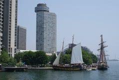 Высокорослые корабли посещают городской Торонто Питером j Restivo Стоковые Фото