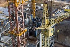 Высокорослые краны конструкции башни Стоковые Изображения RF