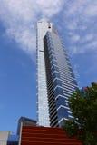Высокорослый голубой небоскреб стоковое изображение rf