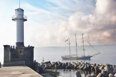 Высокорослый проходить регаты шлюпки корабля Стоковое Фото