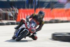 Высокоскоростное движение гонок мотоцилк Стоковое Изображение