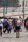 Высокоскоростной город Москвы участвуя в гонке много телезрителей июль стоковая фотография rf