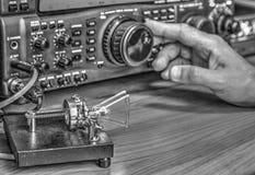 Высокочастотный приемопередатчик радиолюбителя в черно-белое стоковые фотографии rf