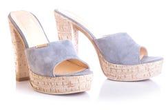 Высоко-накрененный синью ботинок дам стоковые фотографии rf