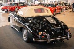 Выставка антиквариата и автомобилей спорт стоковое фото rf