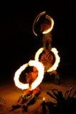 Выставка в известной пещере Hina, запачканное движение огня, пляж Oholei, тонна Стоковая Фотография RF