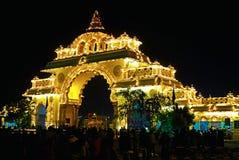 Выставка Майсура Dasara на ноче стоковые фотографии rf