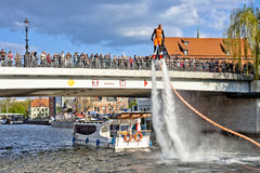 Выставка на реке Brda - Bydgoszcz Flyboard Стоковая Фотография