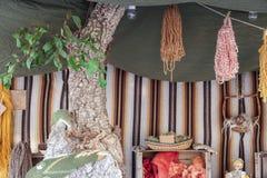 Выставка покрашенных пасм шерстей Стоковое фото RF