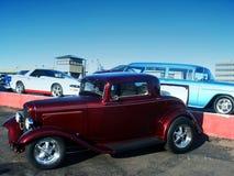 выставка штанги автомобиля классицистическая горячая красная стоковое изображение rf