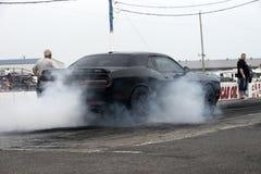 Выставка дыма hellcat претендента доджа Стоковые Изображения RF