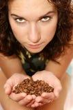 выставки зерен девушки кофе Стоковые Изображения