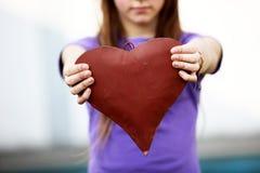 выставки красного цвета сердца ребенка Стоковое Изображение RF