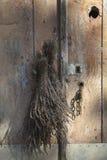 Высушенная лаванда на двери Стоковое фото RF