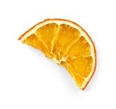 Высушенная половина куска апельсина, изолированного на белизне Стоковое фото RF