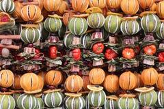 Высушенные апельсины на веревочке Стоковое Фото