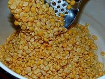 высушенные горохи Горохи не только питательный продукт, но также очень полезны Много домохозяек включают его в диете, подготавлив стоковое изображение