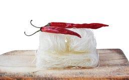 Высушенные изолированные лапши риса, азиатская еда, Стоковое фото RF