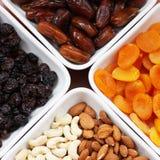 Высушенные плодоовощи и гайки стоковое изображение rf