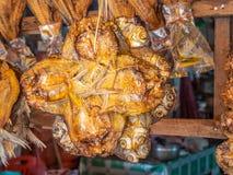 Высушенные рыбы для продажи на обочине Лаос Стоковая Фотография