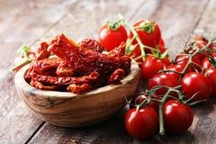 высушенные томаты солнца солнц-высушенные половины томата Стоковая Фотография RF