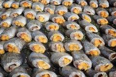 Высушенные fishs местной еды на открытом рынке Стоковые Изображения RF