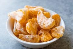 Высушенный плодоовощ мандарина откалывает в съесть шара готовый/Tangerine Стоковые Изображения RF