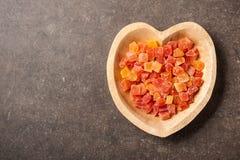 Высушенный плодоовощ папапайи в шаре сердца форменном Стоковое фото RF