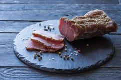 Высушенный balyk Мясо сварено дома заедк пива к стоковое изображение