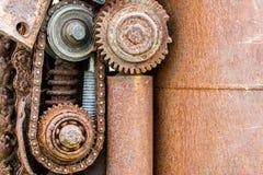 Вытравленные колеса шестерни и другие части старой машины Стоковые Изображения