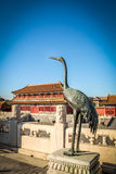 Вытягивайте шею бронзовая статуя - запретный город, Пекин, Китай Стоковое Изображение