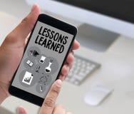 Выученные уроки учащ глобальную технологию взаимодействия, урок иллюстрация вектора