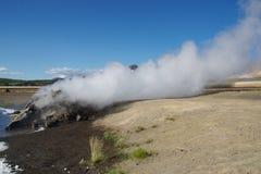Выход Исландии от естественного горячего источника Стоковое Фото