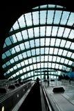 выход эскалатора стоковые фотографии rf