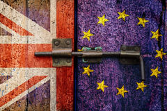 Выход Великобритания Brexit EC и флаг EC стоковые фотографии rf