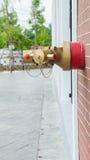 Выходы воды с красными трубами, для пожаротушения Стоковые Изображения