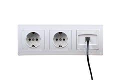 Выходы электрических и интернета на стене Стоковое Фото