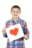 Вычерченное сердце в руках мальчика стоковое фото rf
