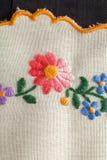 Вышивка с цветками Стоковое Фото
