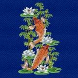 Вышивка с японскими карпом и цветками Стоковая Фотография RF