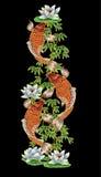 Вышивка с японскими карпом и цветками Стоковая Фотография