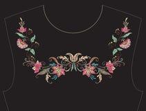 Вышивка для neckline, воротника для футболки, блузки, рубашки Стоковые Изображения RF
