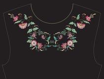 Вышивка для neckline, воротника для футболки, блузки, рубашки Стоковое фото RF