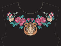 Вышивка для neckline, воротника для футболки, блузки, рубашки Стоковое Изображение