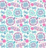 Вышивка Декоративная безшовная флористическая картина Ретро предпосылка с цветками, сердцами и бабочками Стоковые Изображения