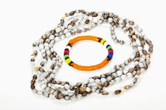 Вышитое бисером ожерелье Зулуса с ярким оранжевым Armband Стоковые Фотографии RF
