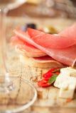 Вылеченные сосиска jamon мяса и хлеб ciabatta Стоковые Фото