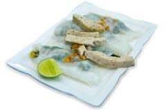 Вьетнам испарился вареники рис-кожи, фокус выборочный, умирает отрезок, белый стоковые изображения