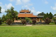Вьетнам - оттенок - внутри цитадели - богато украшенного королевского здания стоковое фото rf